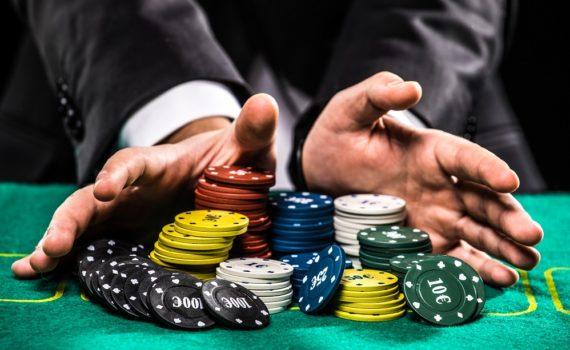 Los 5 mejores libros para ganar al póker